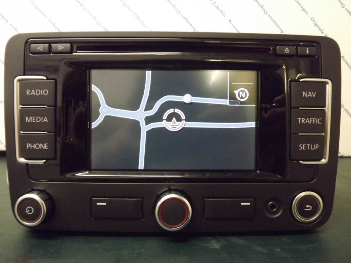 VW RNS-315 with 7 digit postcode search, DAB Bluetooth and AUX  (Refurbished) - Supply & Fit